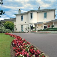 Warner Leisure Hotels, Gunton Hall